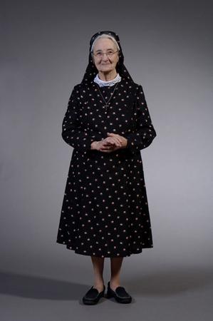 de non zuster francine non in het begin waren de kostuums van wol dus ...